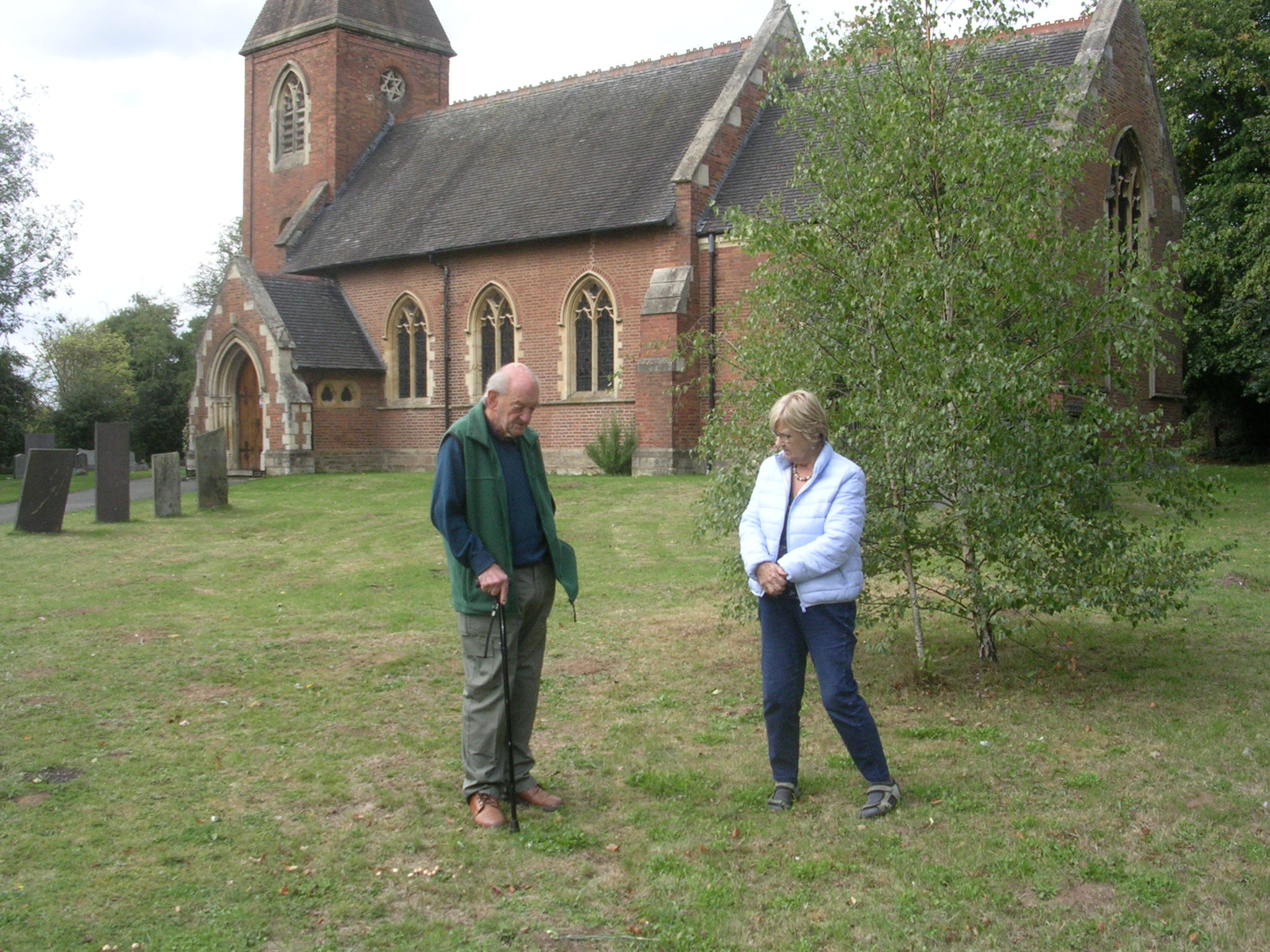 Derek Bennett, our longest serving Gardener chatting to        long standing friend Elisabeth Coulson.
